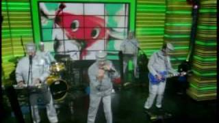 Devo - Fresh (Live on Live! with Regis and Kelly) 6-18-10 thumbnail