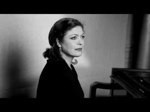 Brigitte Engerer -  Chopin - Op  55, No  1 in F minor  Andante