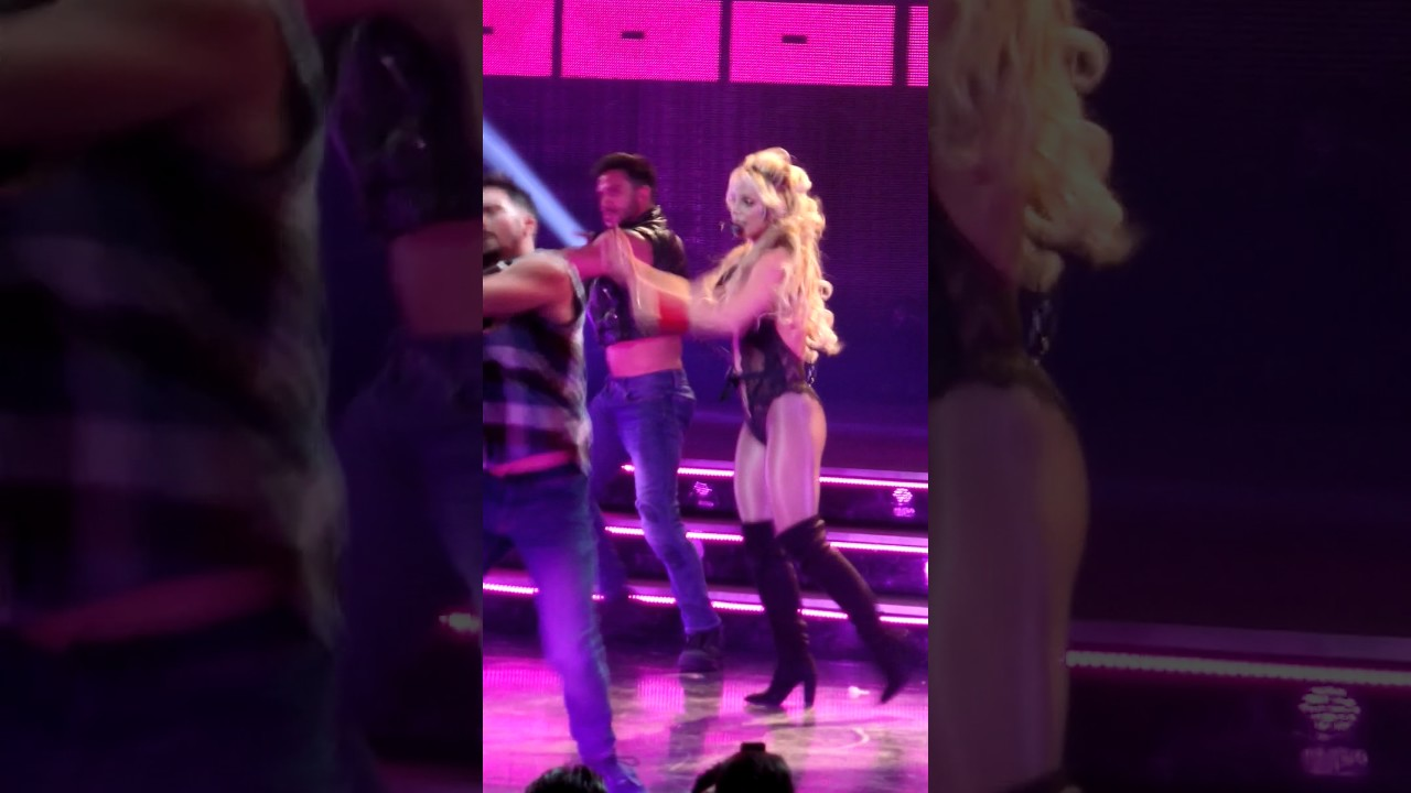 Britney Spears - Gimme more @ Planet Hollywood Las Vegas ...