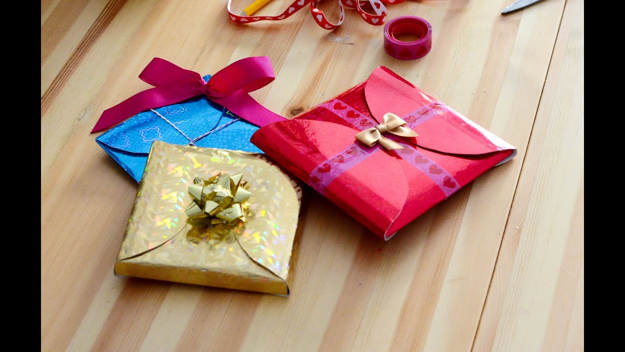 How To Wrap A Wedding Gift Box : ... to make cheap, quick and easy gift wrapping in 5 minutes. - YouTube