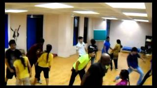 Salsa dance Workshop on gulabi ankhen by The Zeeline