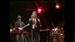 Ian Dury and The Blockheads - Hit me with your rythmn stick Top of The Pops 1979