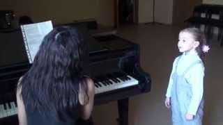 Камилла Круглова, 5 лет (Урок вокала у Тамары Кутидзе, г. Подольск), 05.11.2014 - ч.1