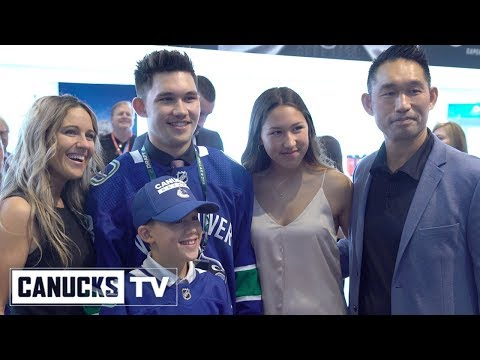 Jett Woo Emotional Family Celebration After Being Drafted by the Canucks