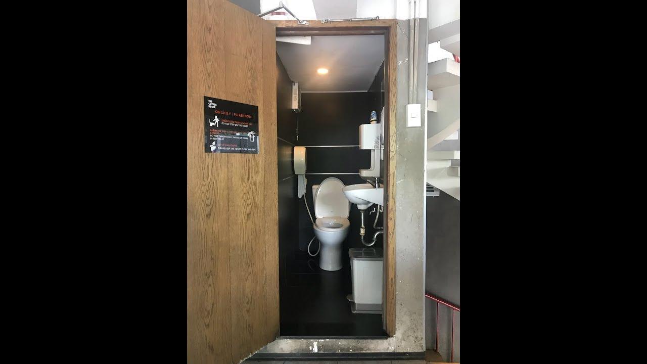 Kho Tư liệu Xây dựng - Phòng vệ sinh nhỏ nhất nhưng đầy đủ thiết bị nhất