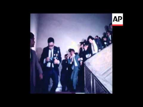 SYND 20-10-71 PRIME MINISTER EISAKU SATO, DISRUPTED BY DEMONSTRATING STUDENTS