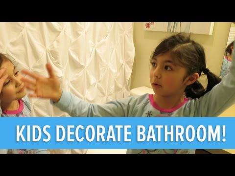 KIDS DECORATE BATHROOM!!