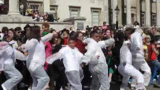 Michael Jackson Thriller Dance in Trafalgar Square