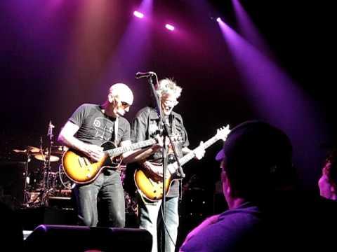 Joe Satriani & Leslie West Blues Jam at Chicago Theater 2008