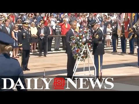 Obama marks Memorial Day with solemn wreath-laying ceremony Tomb of the Unknowns