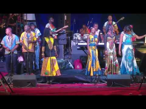 Nana Lukezo au Gospel Musical Awards 2016 - Medley