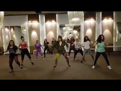 ALINA DUMA: Carlos Vives - AL FILO DE TU AMOR  Zumba Ⓡ Fitness Choreo