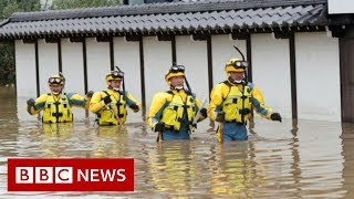 Typhoon Hagibis: Rescuers deployed in wake of deadly storm - BBC News