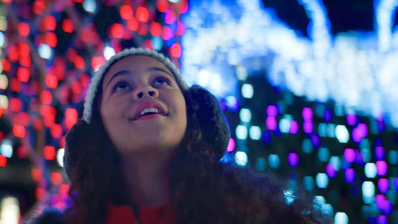 MACKLEMORE - IT'S CHRISTMAS TIME FEAT. DAN CAPLEN (OFFICIAL MUSIC VIDEO)