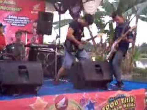 festival band rock (sweet sunday larantuka cover) honda satu hati