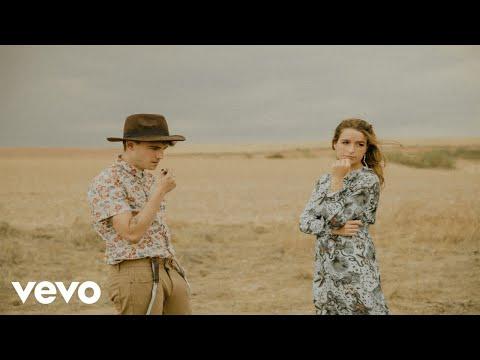 Manel Navarro - Que Te Vaya Bien (Videoclip Oficial) ft. Belén Aguilera