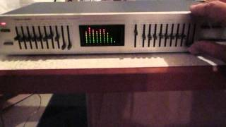 Realistic 31-2020 Ten Band Stereo Frequency Graphic Equalizer screenshot 2