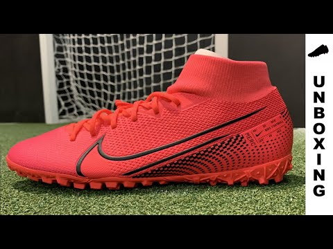 Unboxing and Reviewing CR7 Chapter 5 - White with Blue Tint Boots 2017 from YouTube · Duration:  6 minutes 9 seconds