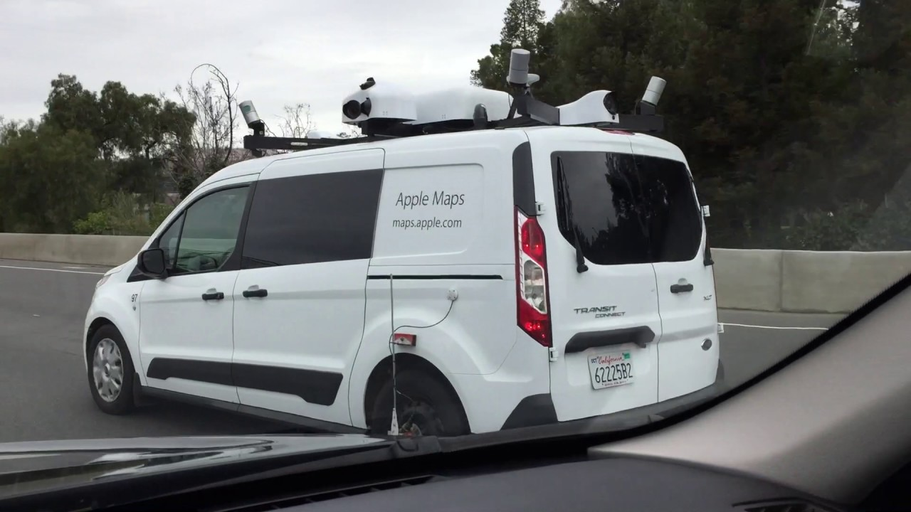 Apple Maps Car on Highway 101