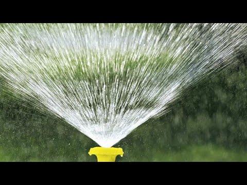 Дождеватель, разбрызгиватель, поливалка, фонтан для полива огорода своими руками из ПВХ труб .
