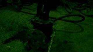 Испытания арматуры с держащей задвижкой по ГОСТ(Принцип опрессовки трубопроводной арматуры. На видео чугунная задвижка успешно прошла испытания. Видео..., 2009-12-24T17:24:12.000Z)