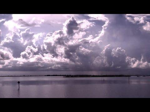 Una isla tragada poco a poco por el agua
