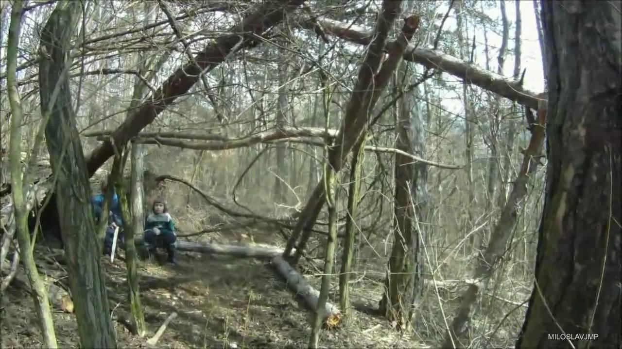 Bushcraft survival long term wilderness shelter - Stavba primitivního ...