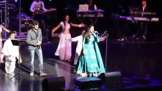 Download Hindi Video Songs - Manwa Lage Re  By Shreya Ghoshal & Hrishikesh Ranade in Cincinnati,OH, USA 2015