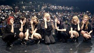 韓国の7人組ガールズグループ「DREAMCATCHER」が、日本ファーストアルバム「The Beginning Of The End」の発売記念ライブを行った。メンバーは、同アルバムのリード曲「Breaking Out」のほか、「また一人になった -Japanese ver.-」など全8曲を披露。集まった約600...