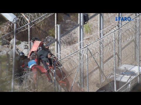 Devolución de los encaramados a la valla de Ceuta