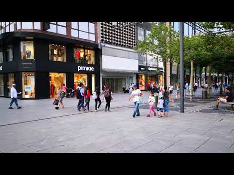Einkaufsstrasse Zeil Frankfurt Shopping Street Zeil Germany