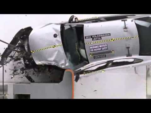 Crash Test 2013 - Volkswagen Jetta Sedan (Small Overlap Test) IIHS