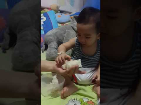 น้องเจแปน เด็กน้อยหัดกินข้าวเหนียว #เจแปนลูกข้าวเหนียว