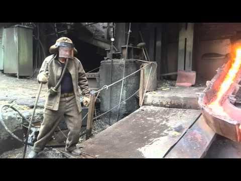 El verdadero Iron Man: un obrero metió la mano en metal fundido