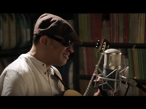 Raul Midon - Sunshine (I Can Fly) - 2/4/2016 - Paste Studios, New York, NY