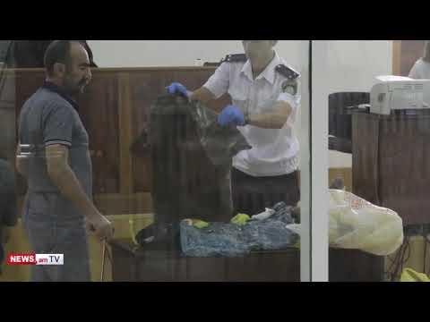 Տեսանյութ. Պավլիկ Մանուկյանն անձամբ զննեց ՊՊԾ գնդում սպանված ոստիկանների հագուստները