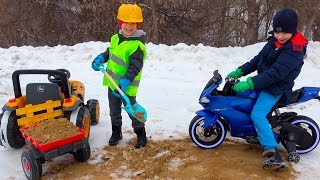 Funny Winter Games and Outdoor Activities with Children Ride on Cars / Kids Pretend Play with Toys