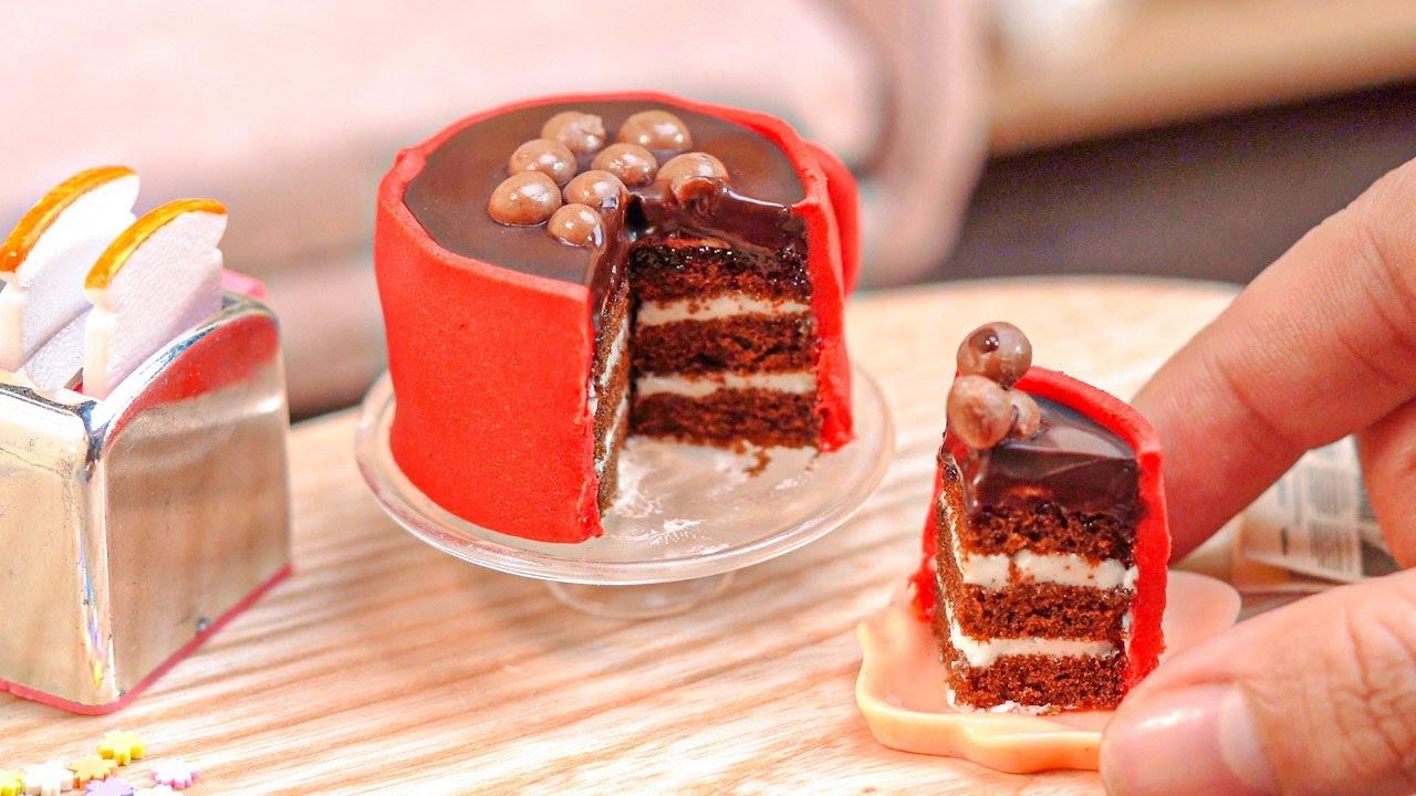 So Tasty Miniature Chocolate Cake Decorating   Delicious Miniature KITKAT Cake Recipe   Tiny Cakes