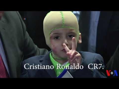 Ahmed, jeune survivant palestinien, en route pour rencontrer son idole Cristiano Ronaldo