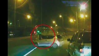 Conductor se salió por la ventana tras impactante choque en Bogotá