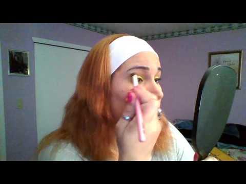 Maquillaje Amarillo Fuerte