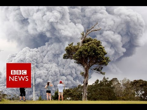 Hawaii volcano sends 30,000ft plume into the air - BBC News