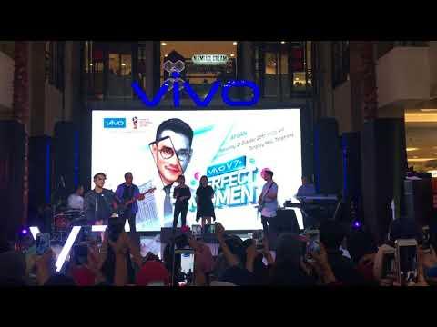 Cinta 2 Hati Jodoh Pasti Bertemu (mash up) - Afgan (VIVO V7+ Live at Tangcity Mall)