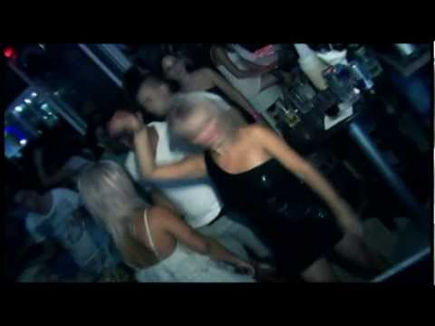 Girls Dancing In Saint Tropez Beach Club