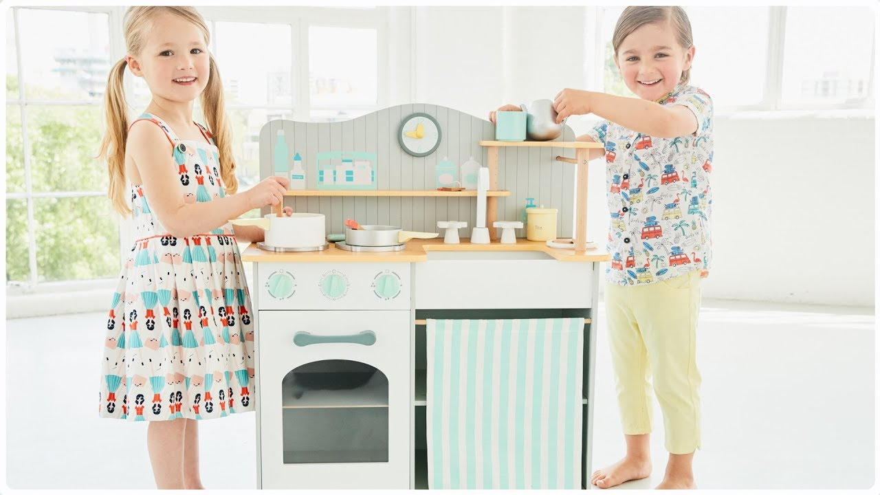 Wooden Classic Kitchen (3 years+) Early Learning Centre - YouTube