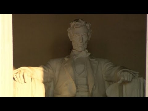 Lincoln Memorial vandalised in Washington