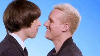 Extra presents In my personal space - Jamie Laing