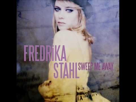 Fredrika Stahl  Twinkle Twinkle Little Star musique de la publicité  Music ad Nissan Juke