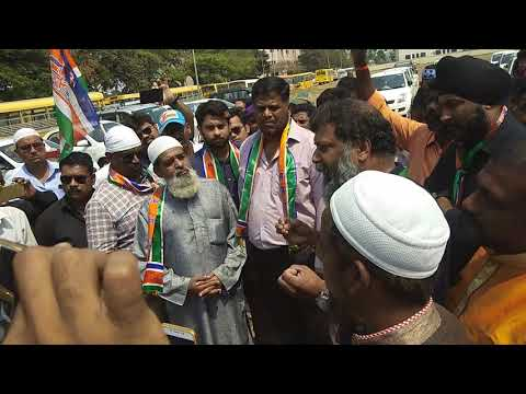 Ola Uber Cab drivers with MNS