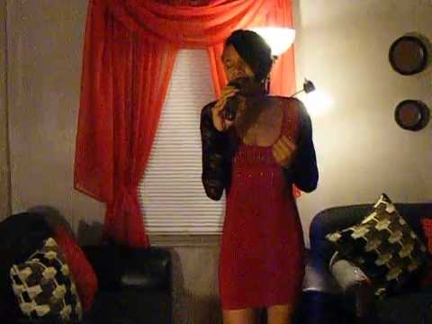 Monique Houston Sings
